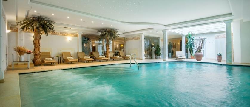 italy_dolomites_kronplatz_la_villa_chalet_hotel_antines_indoor_pool.jpg